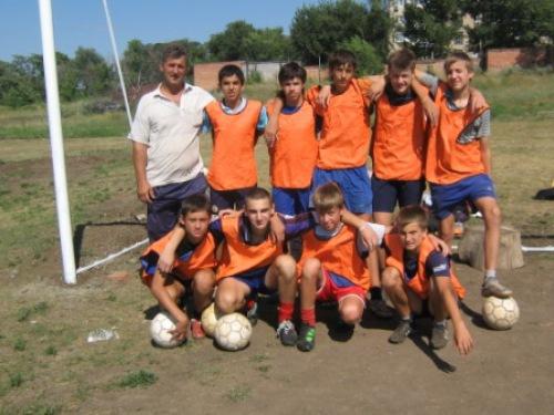 Два футбольных поля готовы к городскому турниру на Кубок мэра