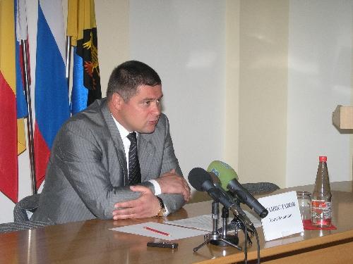 Денис Станиславов попросил не рисовать карикатуры на ростовского губернатора