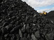 Ростовские власти ищут законодательные пути снабжения шахтеров-пенсионеров пайковым углем