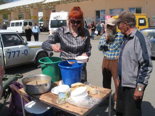 В Шахтах прошла благотворительная акция в день Радоницы