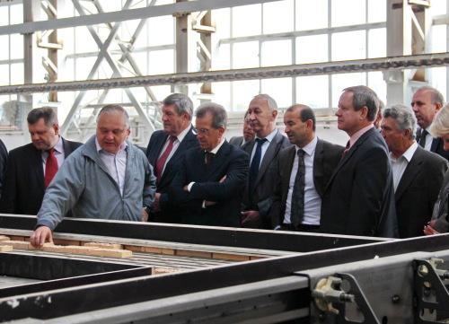 Главам районов продемонстрировали новое домостроительное предприятие