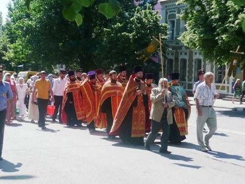В праздник Иоанна Богослова по городу Шахты прошёл крестный ход