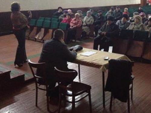 Таловчан учили проводить собрания
