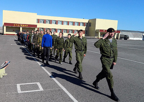 В августе - октябре на территории всех военных округов запланировано проведение тренировок и учений с призывом граждан, прибывающих в запасе