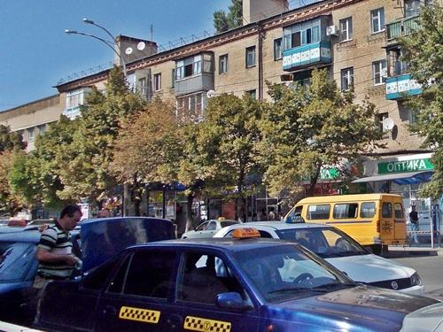 Есть предложение запретить диспетчерам такси отдавать заказы нелегалам