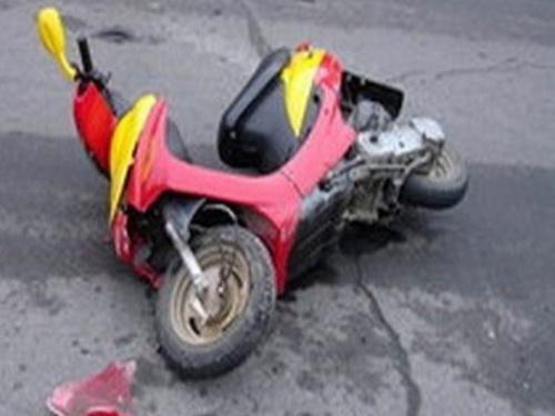 Несовершеннолетний шахтинец, пострадавший в результате падения скутера, доставлен в местную травматологию