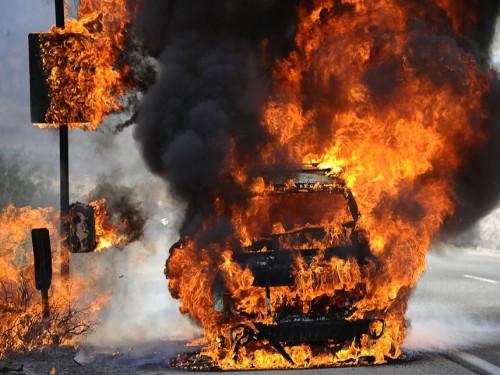 """В поселке ГРЭС сожгли """"Opel Vectra"""""""
