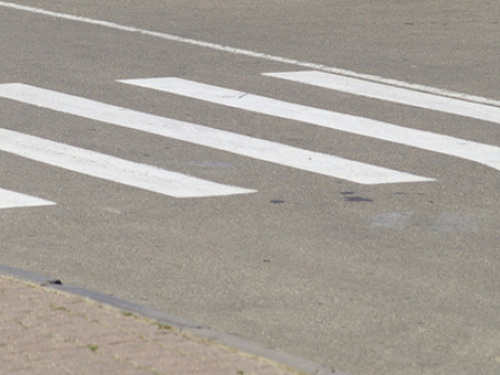 От полученных травм, женщина скончалась на месте, второй пешеход с многочисленными ушибами, госпитализирован