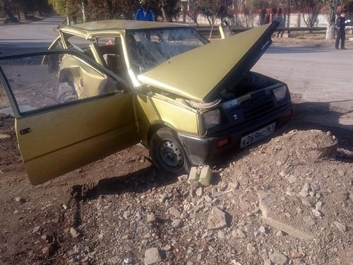 Два человека пострадали при столкновении трёх автомобилей на улице Аксайской