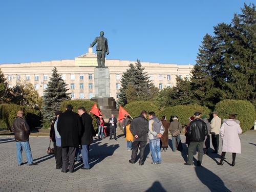 В Шахтах коммунисты отметили День рождения комсомола