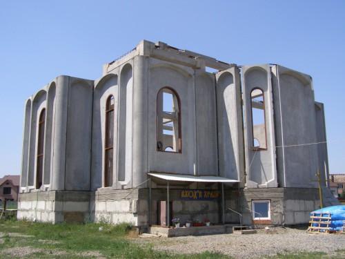 Что нам стоит храм построить,  Или труды и хлопоты возвышенной души