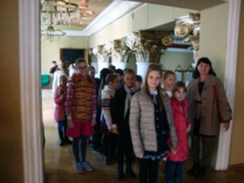 Ученики прогимназии побывали на экскурсии в театре