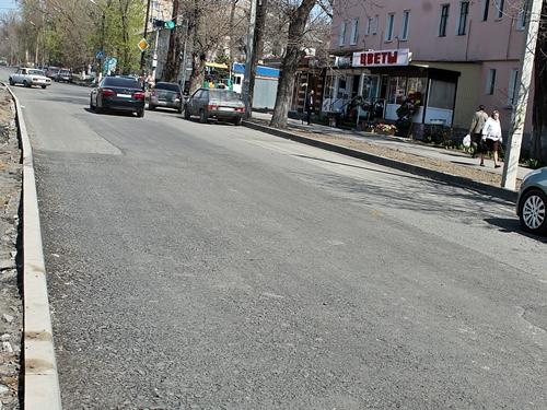 Шахтинцы недоумевают по поводу асфальта на Чернокозова