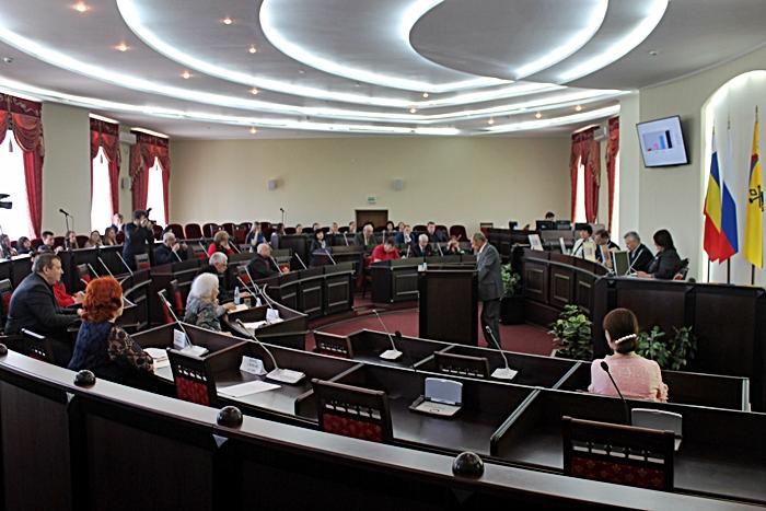 В Общественной палате города Шахты говорили о некоммерческих социально ориентированных организациях