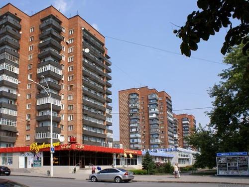 Сосульки опасны зимою, крыши и балконы - круглый год