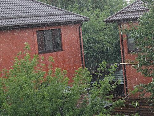 МЧС предупредило шахтинцев о прошедшем дожде