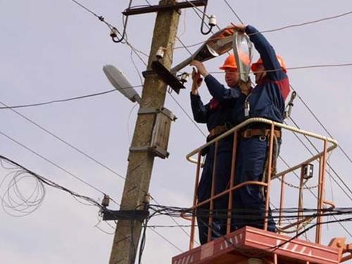 В Шахтах планируется реконструкция более 40 километров линий наружного освещения