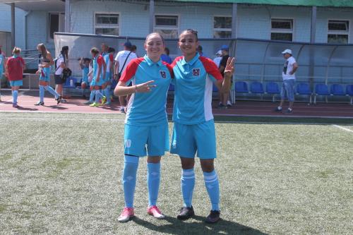 В составе сборной по футболу играли две шахтинки