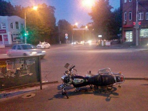 Погиб пешеход, травмирован мотоциклист