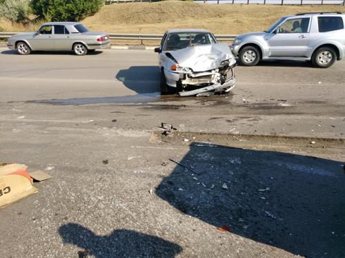 """В ДТП на участке """"Центр-Артем"""" пострадали женщина-водитель и ее пассажирка"""
