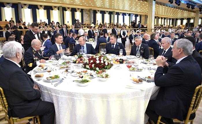 Донские горняки приняли участие в торжественном приёме Президента России