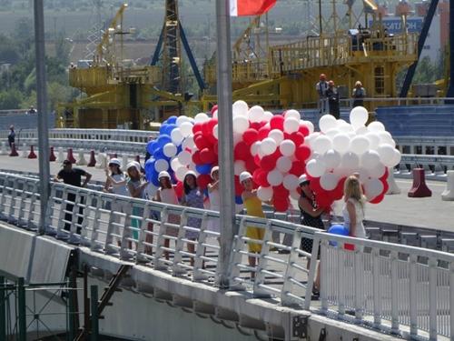 Сегодня открылось движение по Ворошиловскому мосту