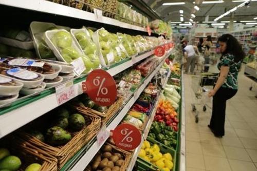 Жители Ростовской области беднеют и всё больше питаются акционкой