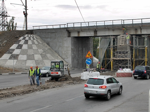 Дважды перекроют улицу Маяковского в связи с ремонтом железнодорожного моста