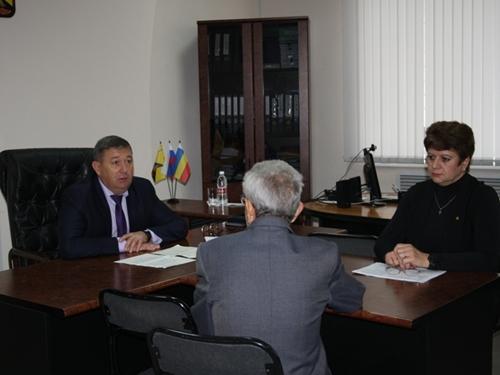 Игорь Медведев заявил, что школы на Майском объединять не будут