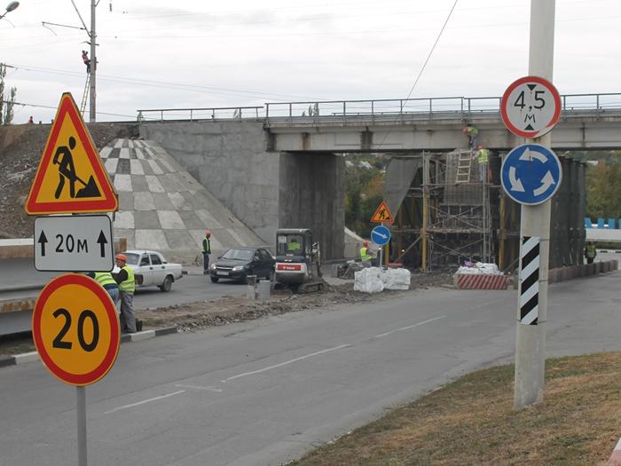 В четверг и пятницу вновь перекроют движение на Маяковского под мостом