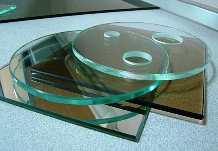 Как просверлить стекло сверлом в домашних условиях? Можно ли сделать это обычным сверлом?