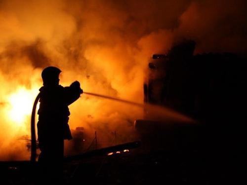 Дом на 8 Марта загорелся в два часа ночи