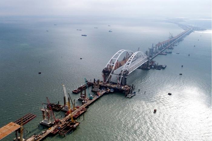 Шахтинцы могут выбрать название для строящегося моста в Крым