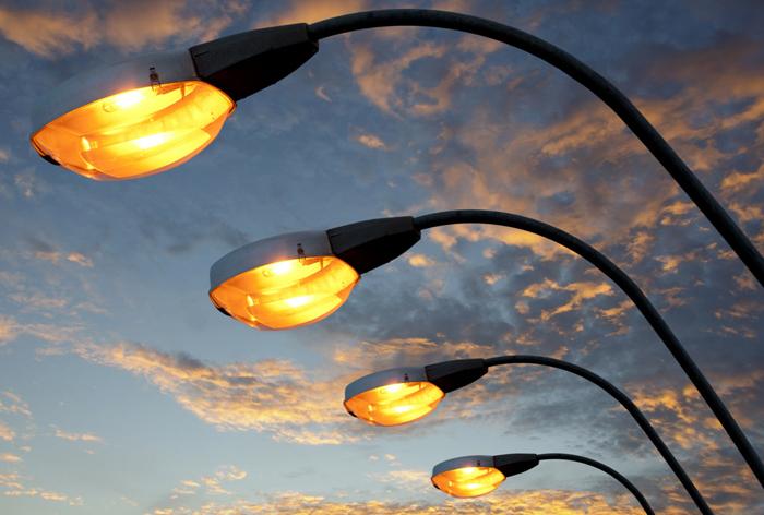 На 20 улицах города вскоре станет светло