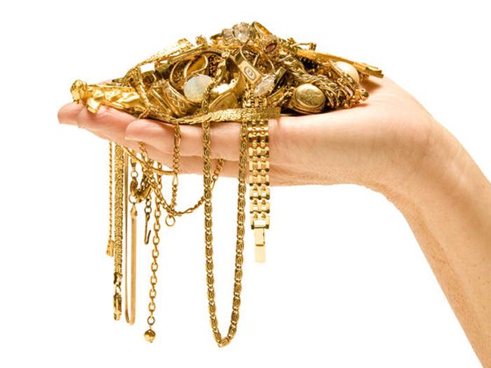 """Мошенница """"впаривала"""" несуществующие ювелирные украшения"""