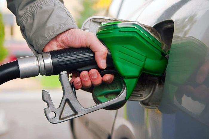 Топливо подорожает примерно на 3-5 рублей