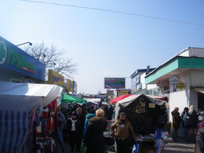 Прокуратура города Шахты заявляет, что большинство нарушений противопожарной безопасности в местах массовой торговли устранено