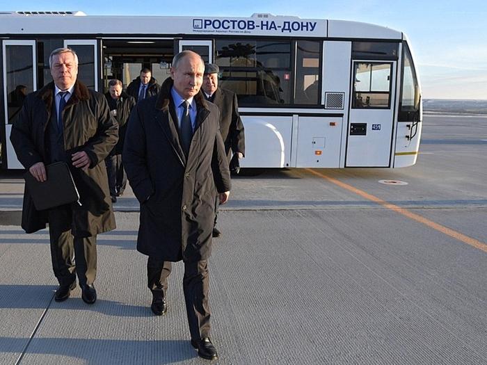 Владимир Путин во время пребывания в Ростове заявил о необходимости наращивать возможности стимулирования промышленного роста и проработать особые меры поддержки малого производственного бизнеса