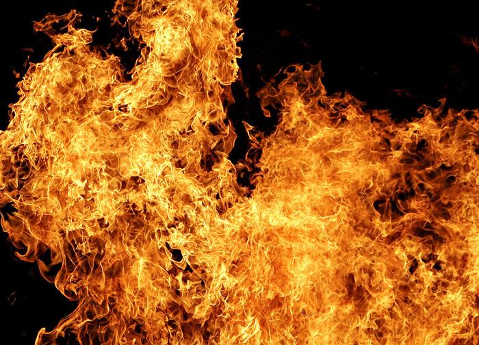 В поселке Красина сгорел частный дом