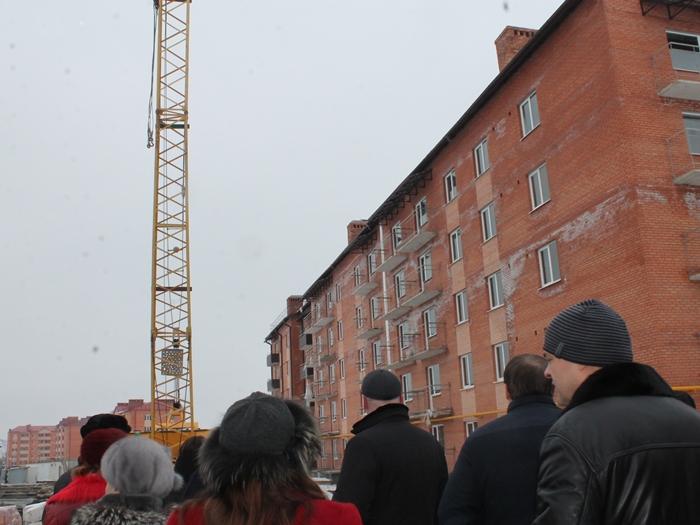 До конца первого полугодия обещают сдать ещё один дом для обманутых переселенцев