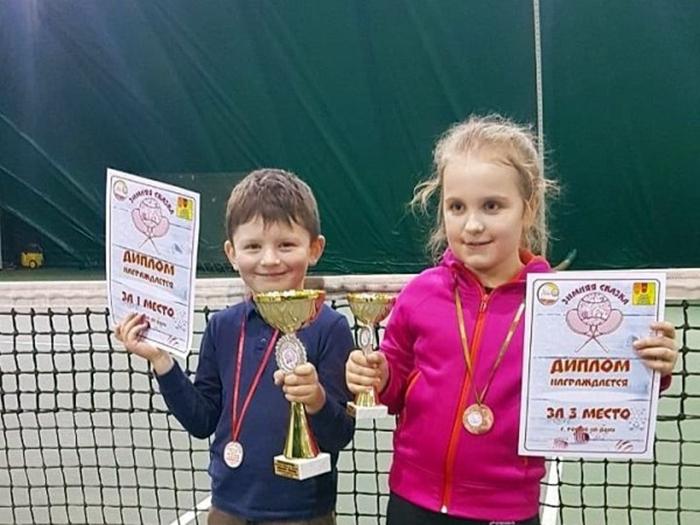 Маленькие шахтинцы заявили о себе на турнирах по большому теннису