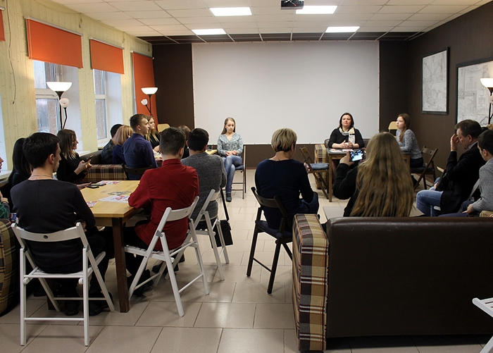 """""""На кухне"""" парламентская молодёжь обсуждала новости и проблемы"""