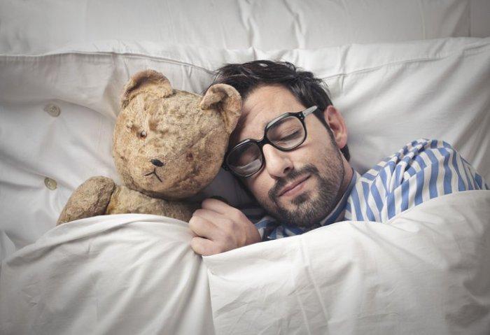 Сонные капсулы, закаливание и феномен инэмури: факты о сне со всего мира