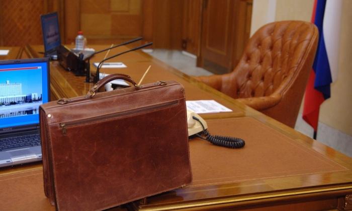 Медведев подаёт в отставку