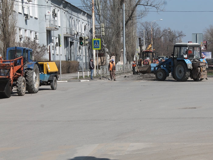 Леонид Лебединский ответил на вопросы о ремонте дорог ВИДЕО
