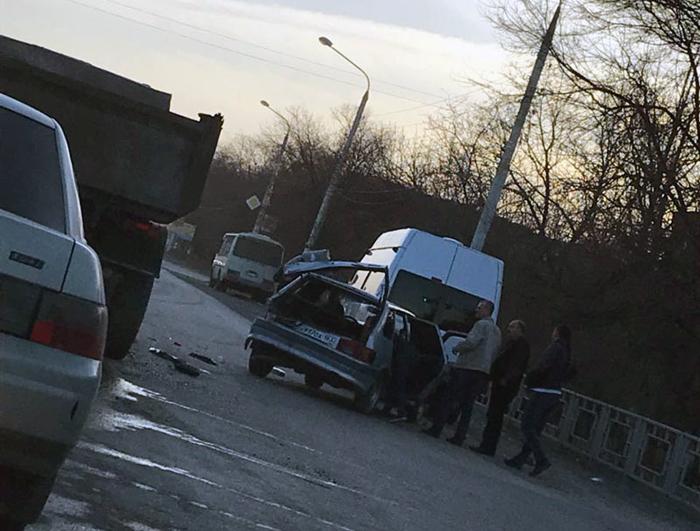 Тройное ДТП случилось в поселке Артем