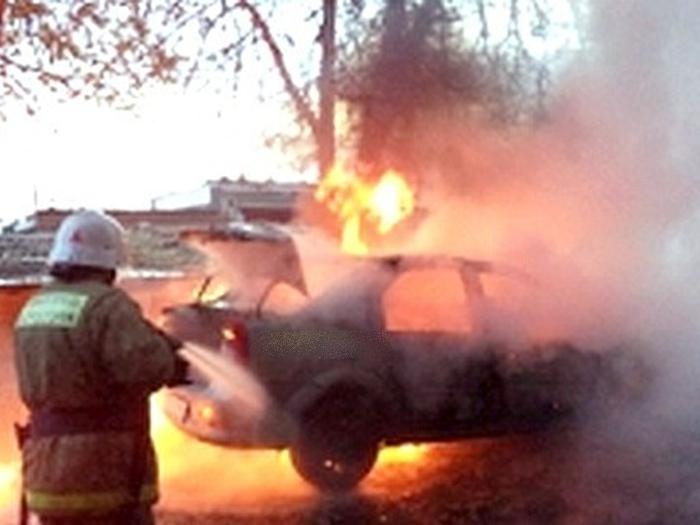 Человек сгорел в машине