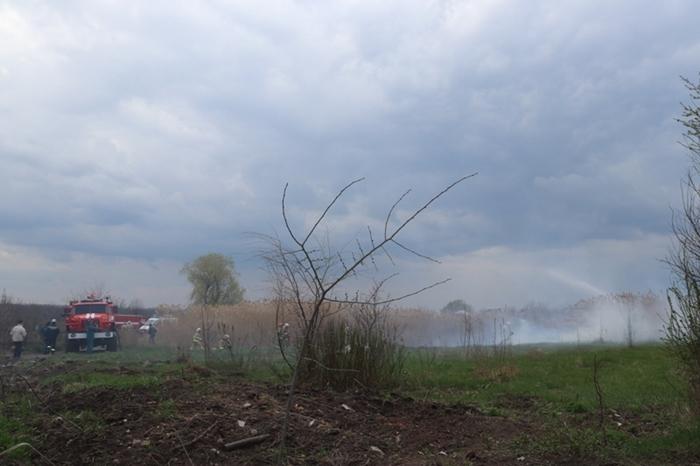 На Цимлянской тушили ландшафтный пожар