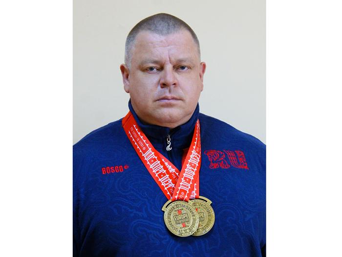 Четырёхкратный чемпион мира и рекордсмен Европы ждёт шахтинцев на открытие мемориальной доски Василию Алексееву