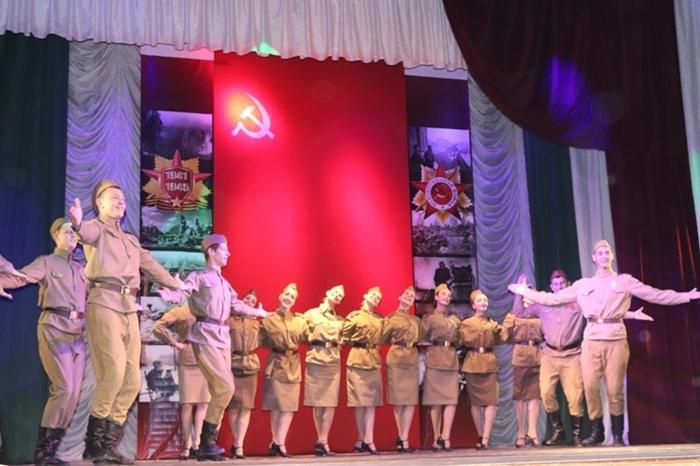 В городском театре начали празднование Дня Победы